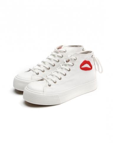 甜美唇印涂鸦女款白色厚底休闲鞋