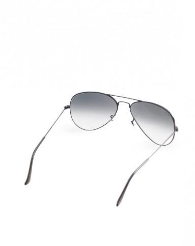 银色镜框,灰色渐变镜片太阳镜