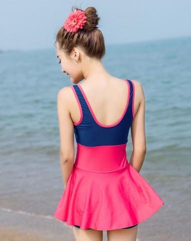 深蓝色配枚红色_清新舒适 女款玫红配藏蓝色连体泳衣